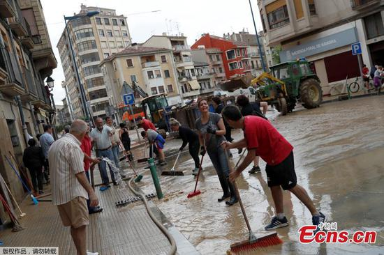Massive floods hit Tafalla, Spain