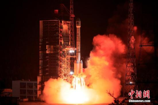 A rocket carrying the 46th satellite of the BeiDou Navigation Satellite System blasts off into the sky. (File photo/Chian News Service)