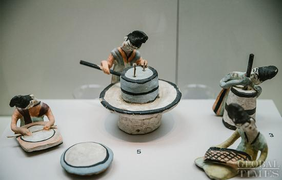 Cultural relics unearthed in Xinjiang on display at National Museum