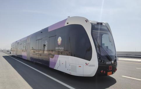 China's self-driving trackless 'rail bus' tested in hot Doha