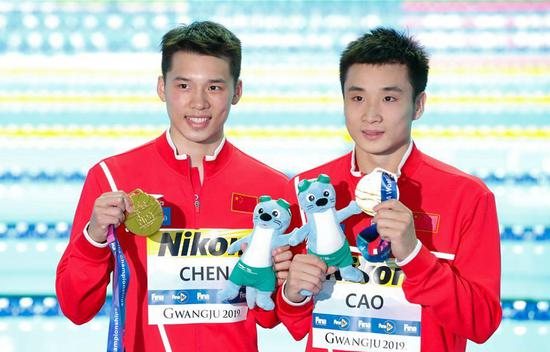 Seven gold in hands, Chinese divers show dominance at world championships