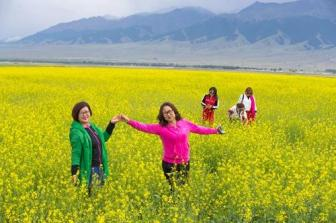 Tourism booms in Xinjiang's border county