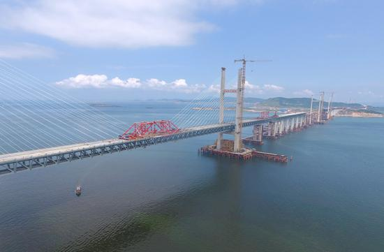 Mainland sea bridge built with hope of linking Taiwan