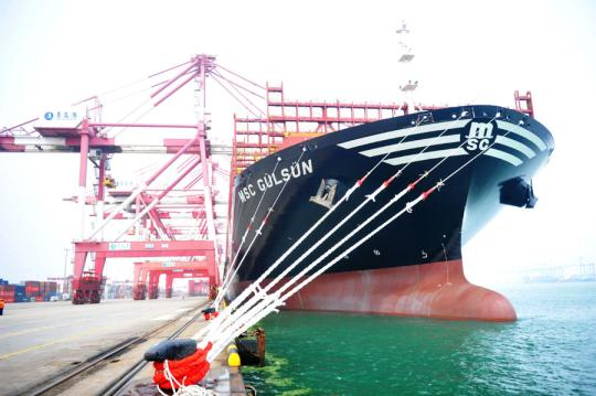 World's largest container ship docks in Shanghai