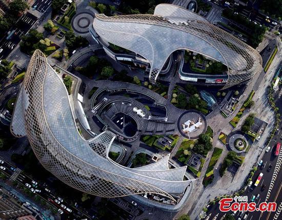 鸟瞰广州鱼形建筑群