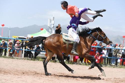 Horse stunt show in Gansu