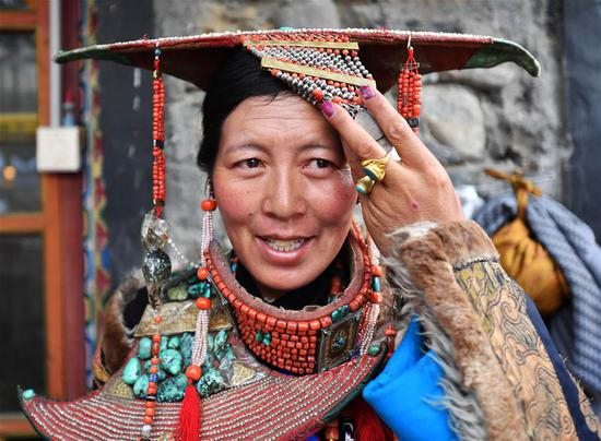 Traditional Burang clothes in SW China's Tibet