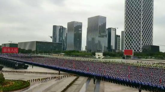 12,000 police officers participate in drill in Shenzhen