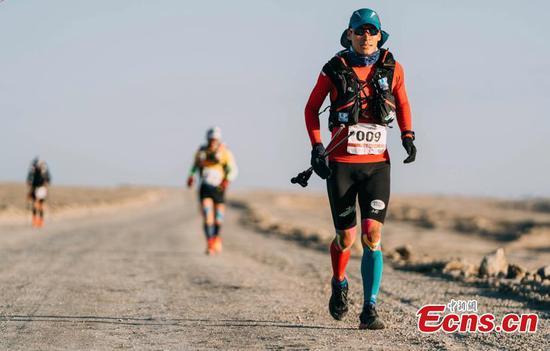 400-km Gobi Desert challenge held in Qinghai