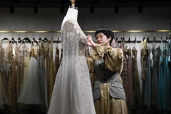 Tariffs to upend American brides' wedding dress dreams