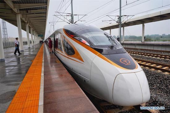 China's high-speed railways extend to 30,000 km