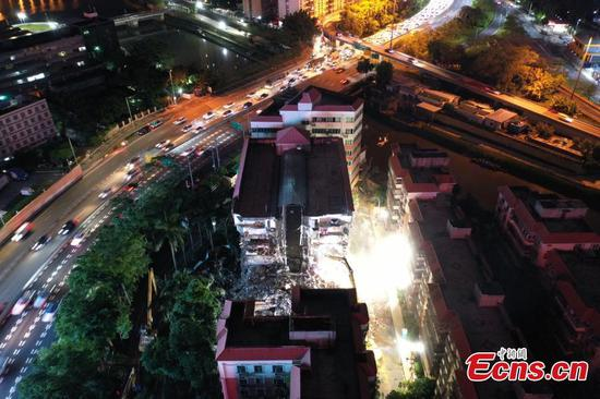 Shenzhen evacuates 1,200 residents from tilted building