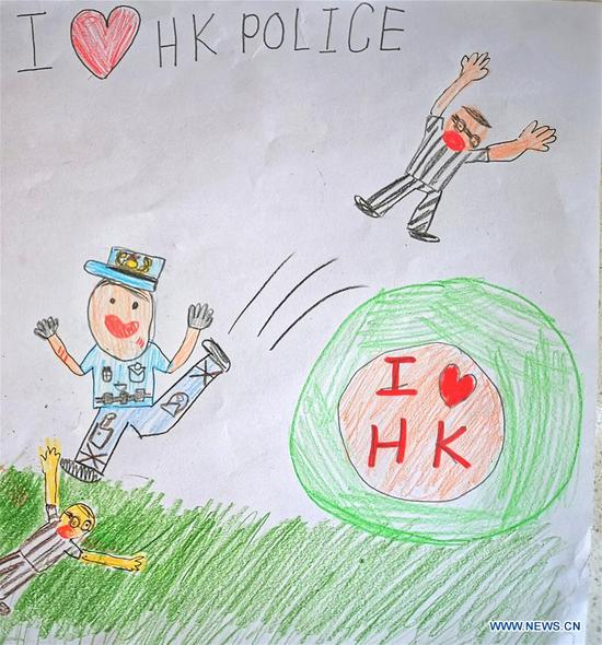 Children draw paintings to express support for Hong Kong police