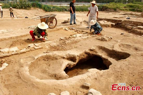 Rich findings in excavation of large distillery in Anhui