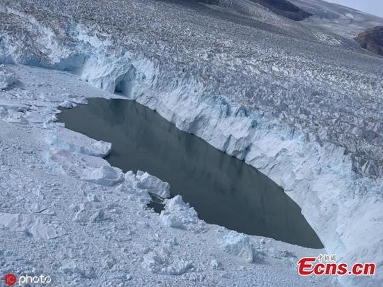 """格陵兰的冰面面临""""死亡判决""""的熔化"""