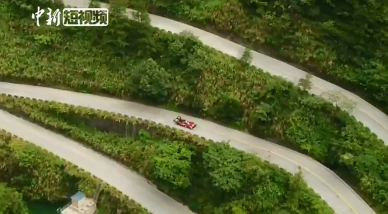 Reach the top in 7:38.585 minutes! French race driver sets new Tianmen Mountain record