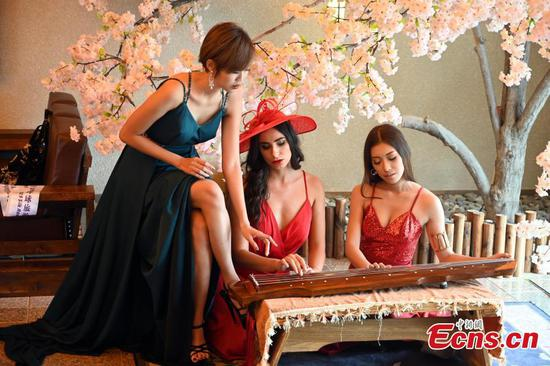 Silk Road Miss Global Tourism holds photo tour in Ningxia