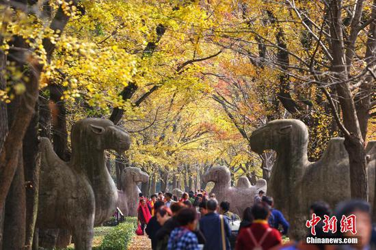 Ancient emperor tomb's guardian statues to get