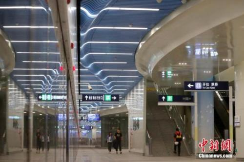 The subway line connecting downtown Beijing with the new Beijing Daxing International Airport is to open on Sept. 26, 2019. (File photo)