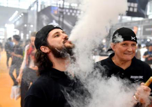 Vaping-related illnesses could climb by hundreds, CDC official tells panel