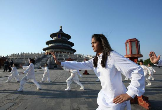 Flourishing cultural exchanges between China and India