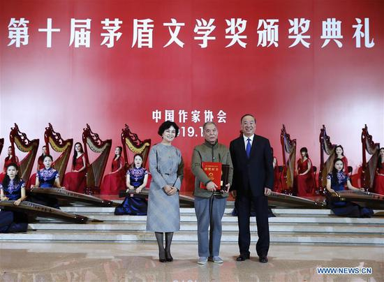Senior CPC official calls for more outstanding literary works
