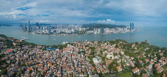 File Photo shows the scenery of Xiamen, a scenic city in southeast China's Fujian Province. (Xinhua)