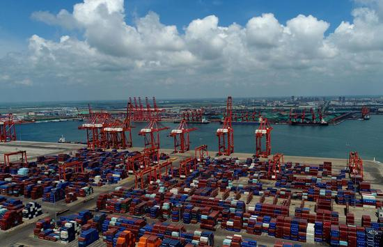 Aerial photo taken on July 10, 2019 shows a railway container freight dock at Jingtang port area of Tangshan Port, north China's Hebei Province. (Xinhua/Yang Shiyao)
