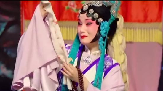 (China and I) The 3 minutes of Ou Opera