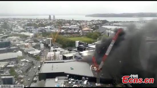 Massive fire at construction site leaves 1 missing, 1 injured in Auckland