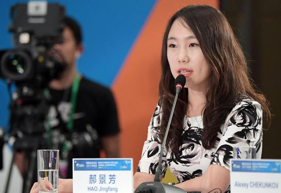 File photo shows Chinese science fiction writer Hao Jingfang speaking at a conference during the Boao Forum for Asia in 2017.(Xinhua/Yang Guanyu)