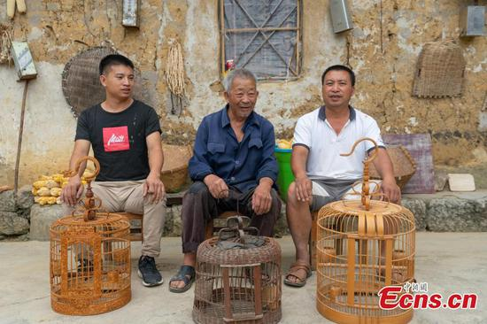 Inheritance and innovation-family keeps bird-cage craft alive