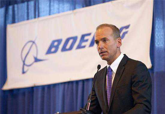 Boeing CEO gives up bonus, stock grants