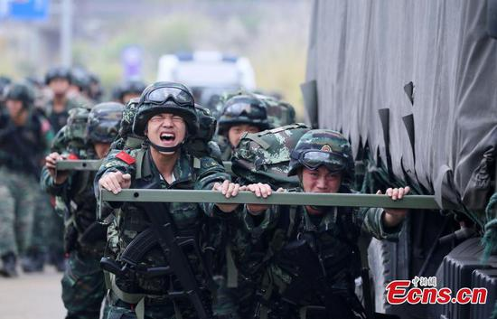 Armed police undergo intensive training in Fujian