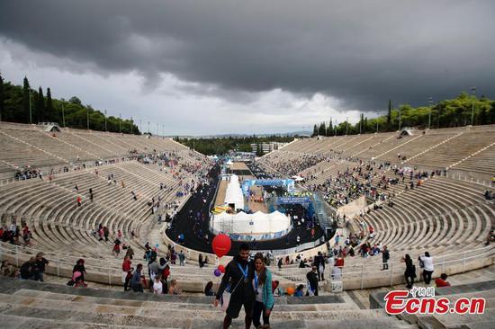 雅典马拉松在历史悠久的希腊大球场结束