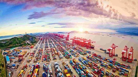 China eyes green, intelligent ports by 2035