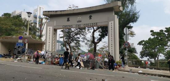 Faculty, staff urge CUHK to condemn violence of protesters