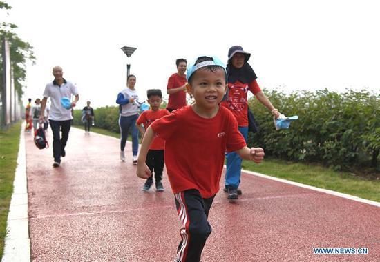 南宁市幼儿园举办的亲子迷你马拉松