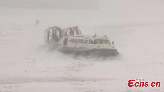 暴风雪袭击东北省