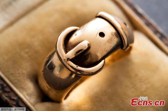 奥斯卡·王尔德被荷兰``艺术侦探''发现的被盗戒指