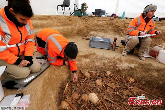 Neolithic period burial site discovered in France