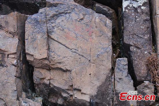 在中国最冷的城镇发现有7,000年历史的岩画