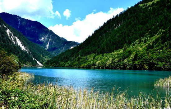 Jiuzhaigou reopens to independent tourists