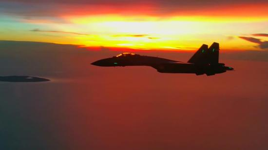 File photo of a video capture shows Su-35 fighter jets are on patrol. China sent Su-35 fighter jets for a joint combat patrol mission in the South China Sea area, according to the People's Liberation Army (PLA) air force on Feb. 7, 2018. (Xinhua)