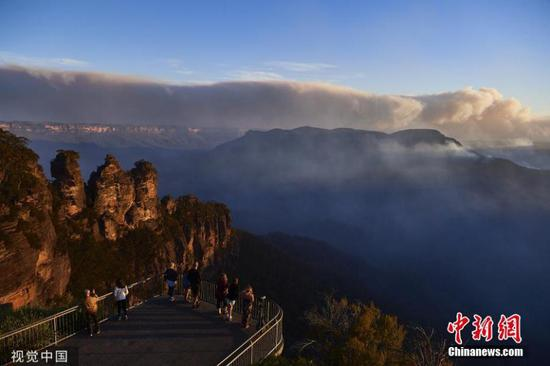 Bushfires burn 20 percent of Blue Mountains world heritage area