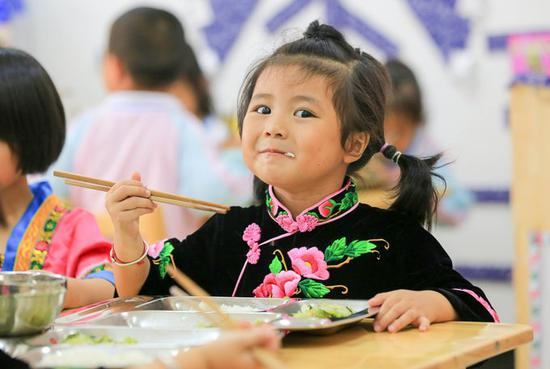 China to further improve nutrition for rural students