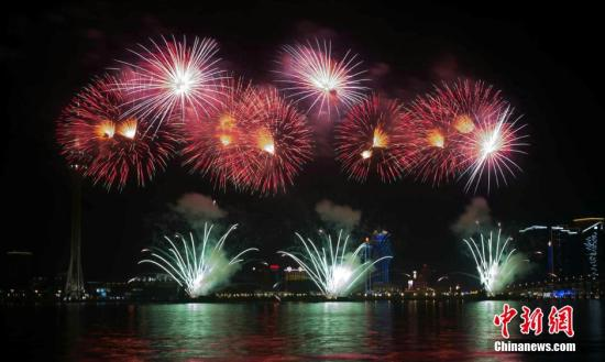 Zhuhai and Macao to celebrate unity with fireworks