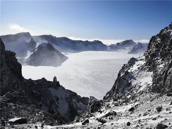 Frozen Tianchi Lake a stunning winter sight