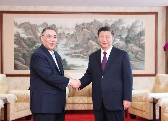 Chinese President Xi Jinping meets with outgoing Chief Executive of the Macao Special Administrative Region Chui Sai On in Macao, Dec. 18, 2019. (Xinhua/Li Tao)