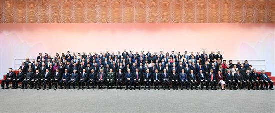 Chinese President Xi Jinping meets with representatives of all walks of life in Macao Special Administrative Region (SAR), south China's Macao, Dec. 19, 2019. (Xinhua/Xie Huanchi)